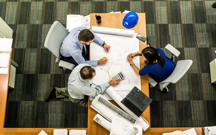 Kancelářský stůl a židle