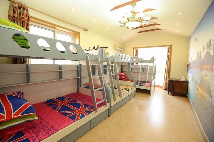 Patrové postele s pohádkovými motivy